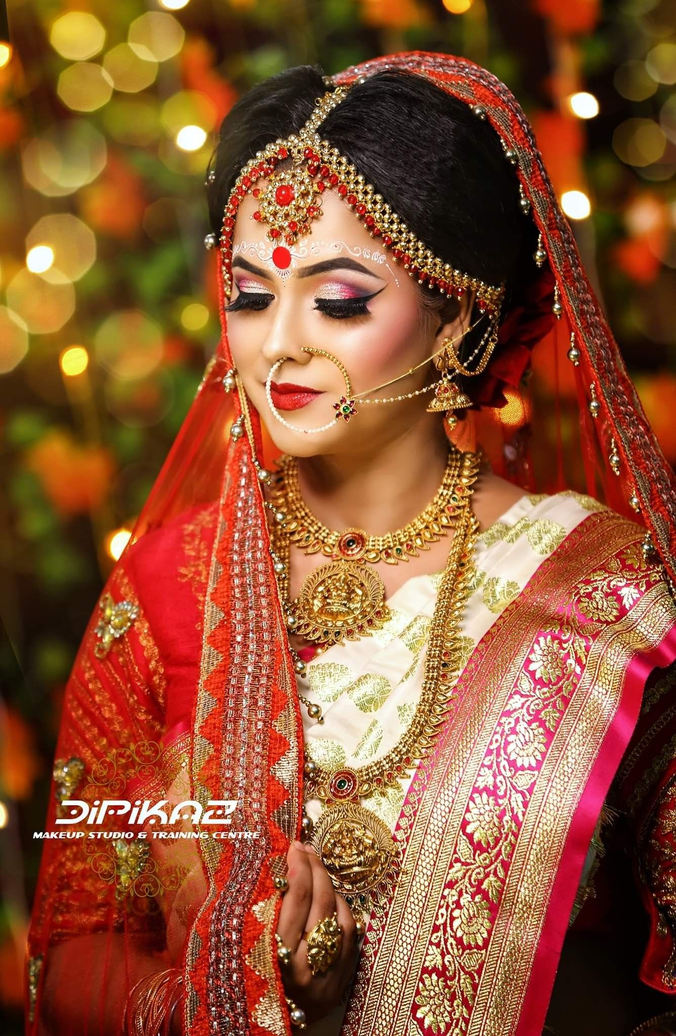 Pin By Geer Sin On Braidel Pakistani Bridal Makeup Indian Bride Makeup Indian Wedding Photography Poses