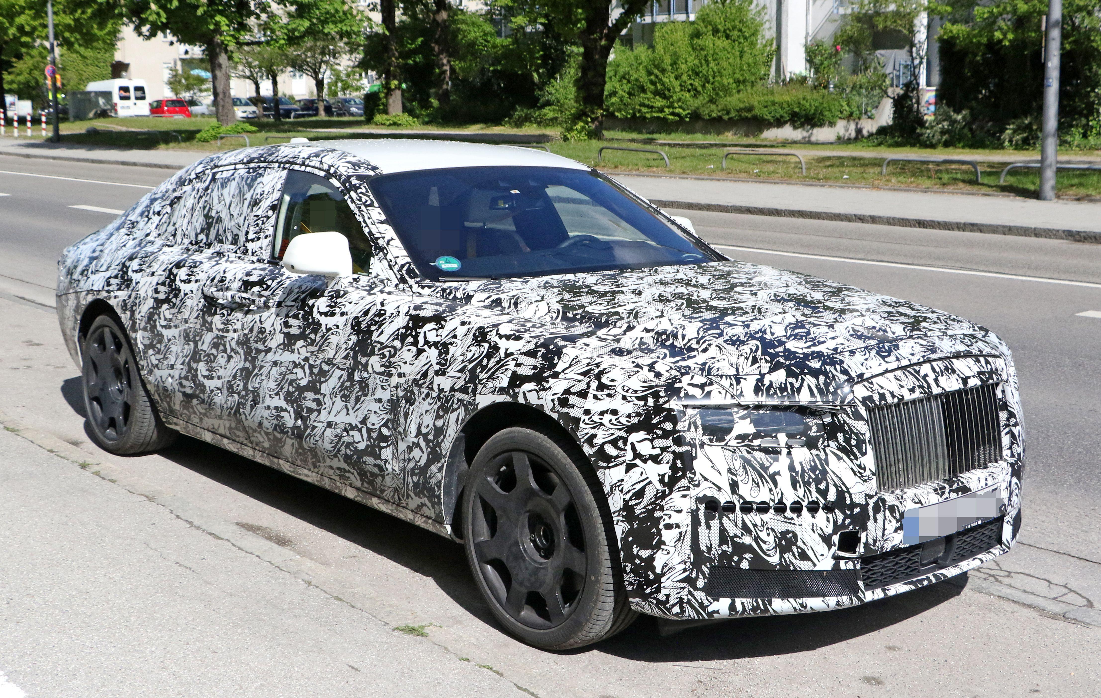 2022 Rolls Royce Ghost in 2020 | Rolls royce, Luxury car ...