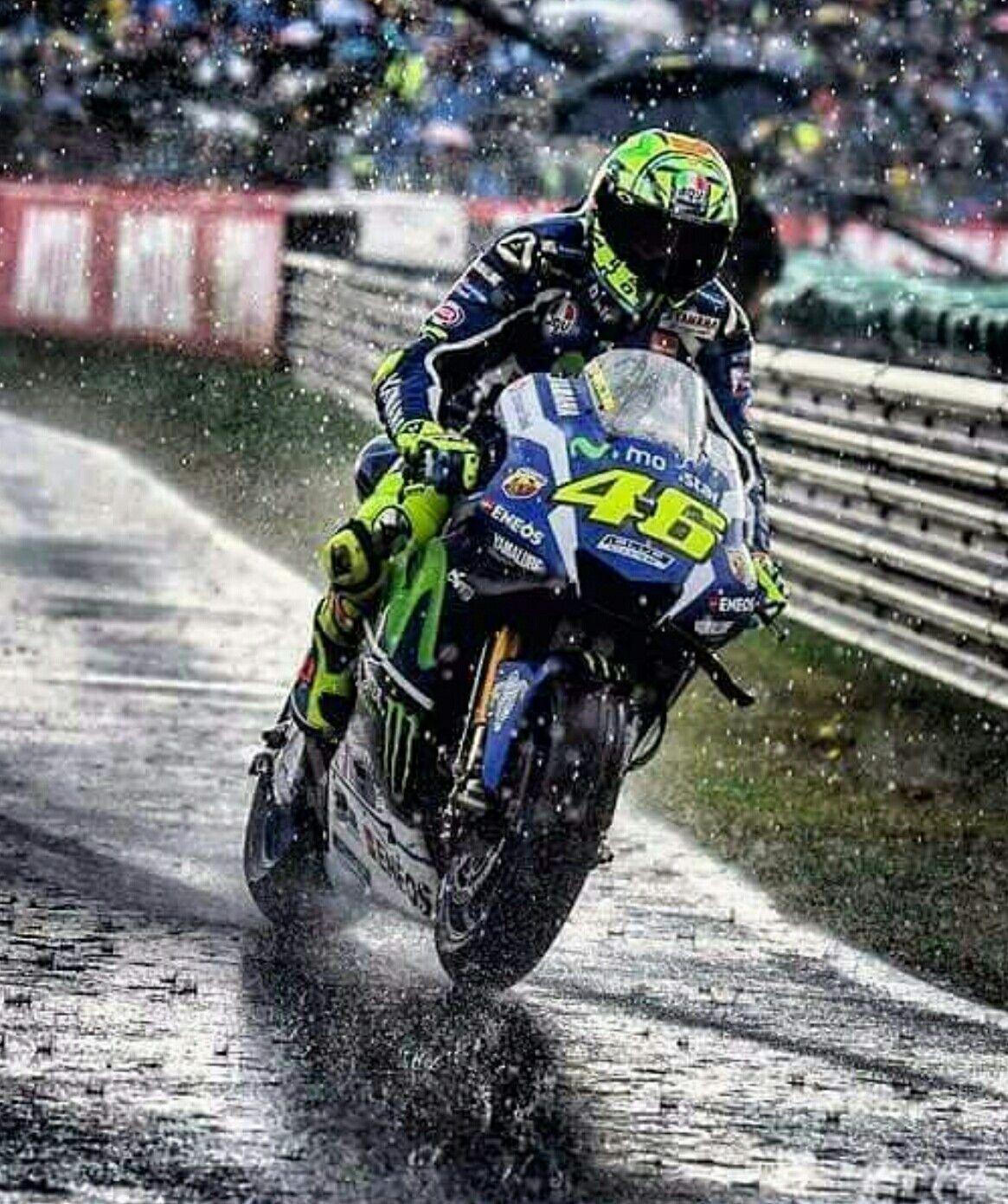 Valentino Rossi Con La Pioggia.