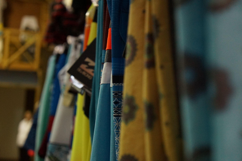 Tenemos variedad de estilos para ti. Aqua Sport