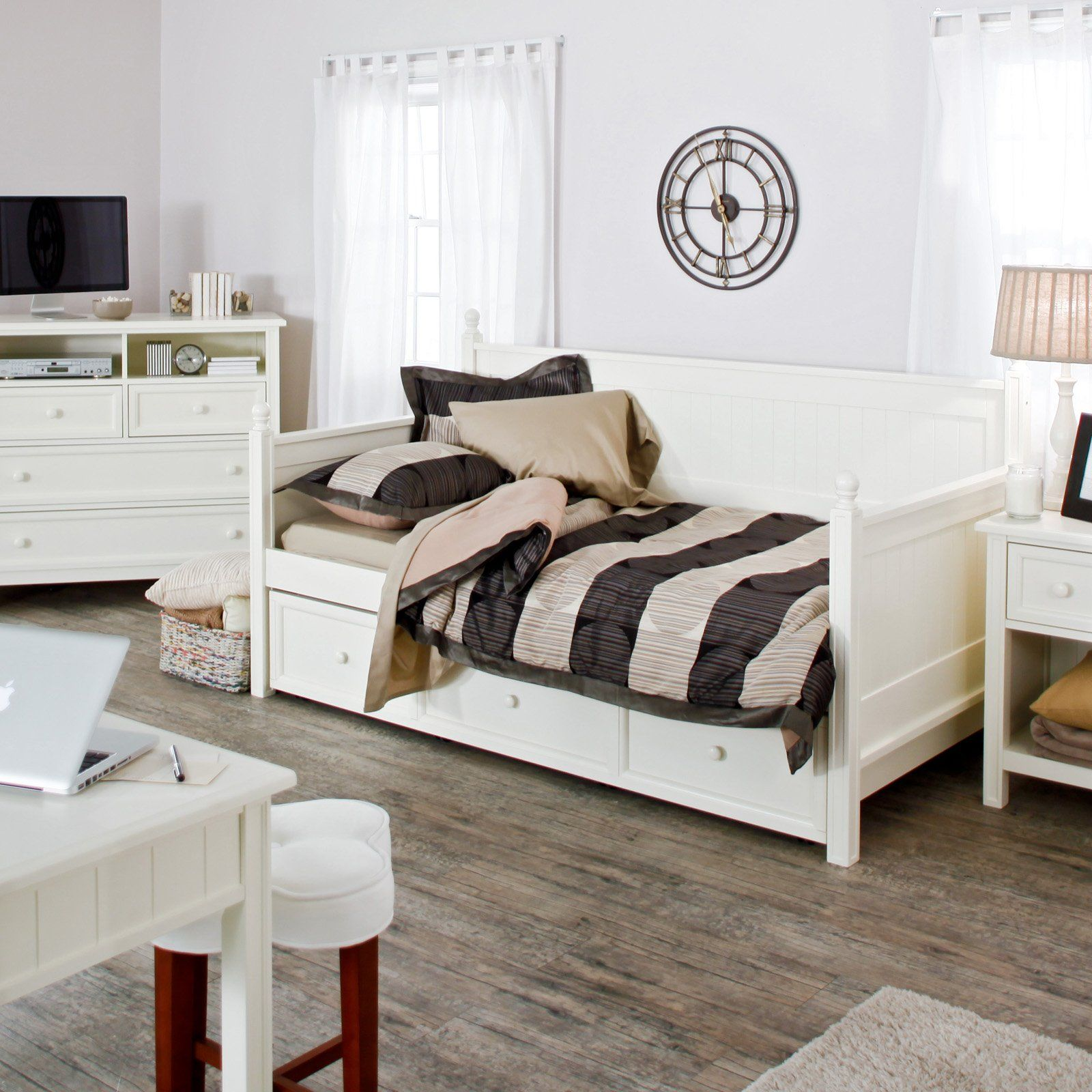 Casey Daybed White Free Mattress Daybeds At Hayneedle