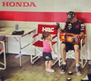 Mundial de MotoGP – Casey Stoner está em Motegi para testar as Hondas, mas a chuva não deixa…