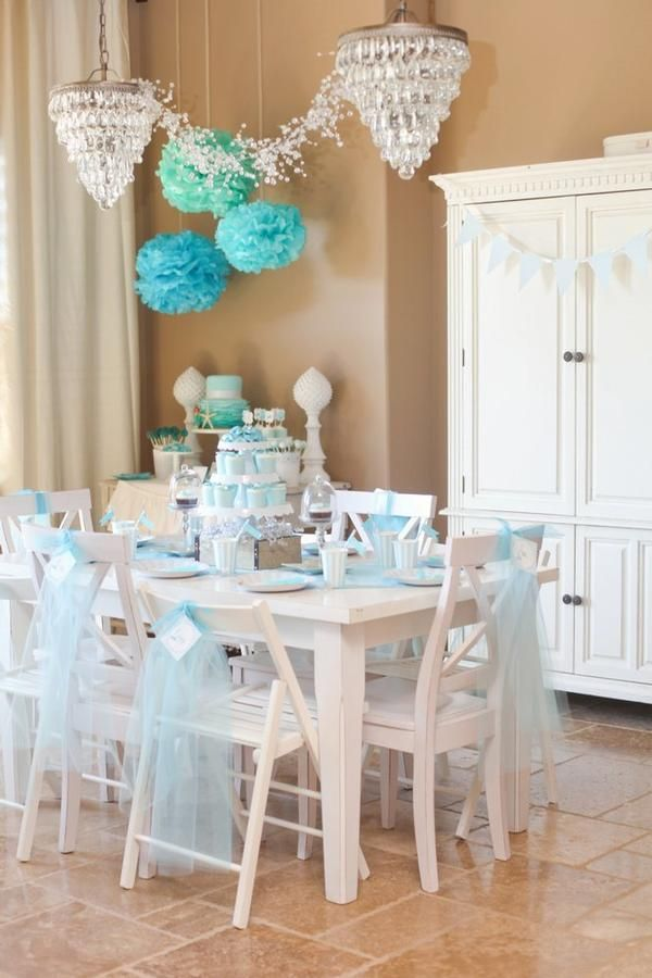 Tablescape- I like the Tissue-poms!