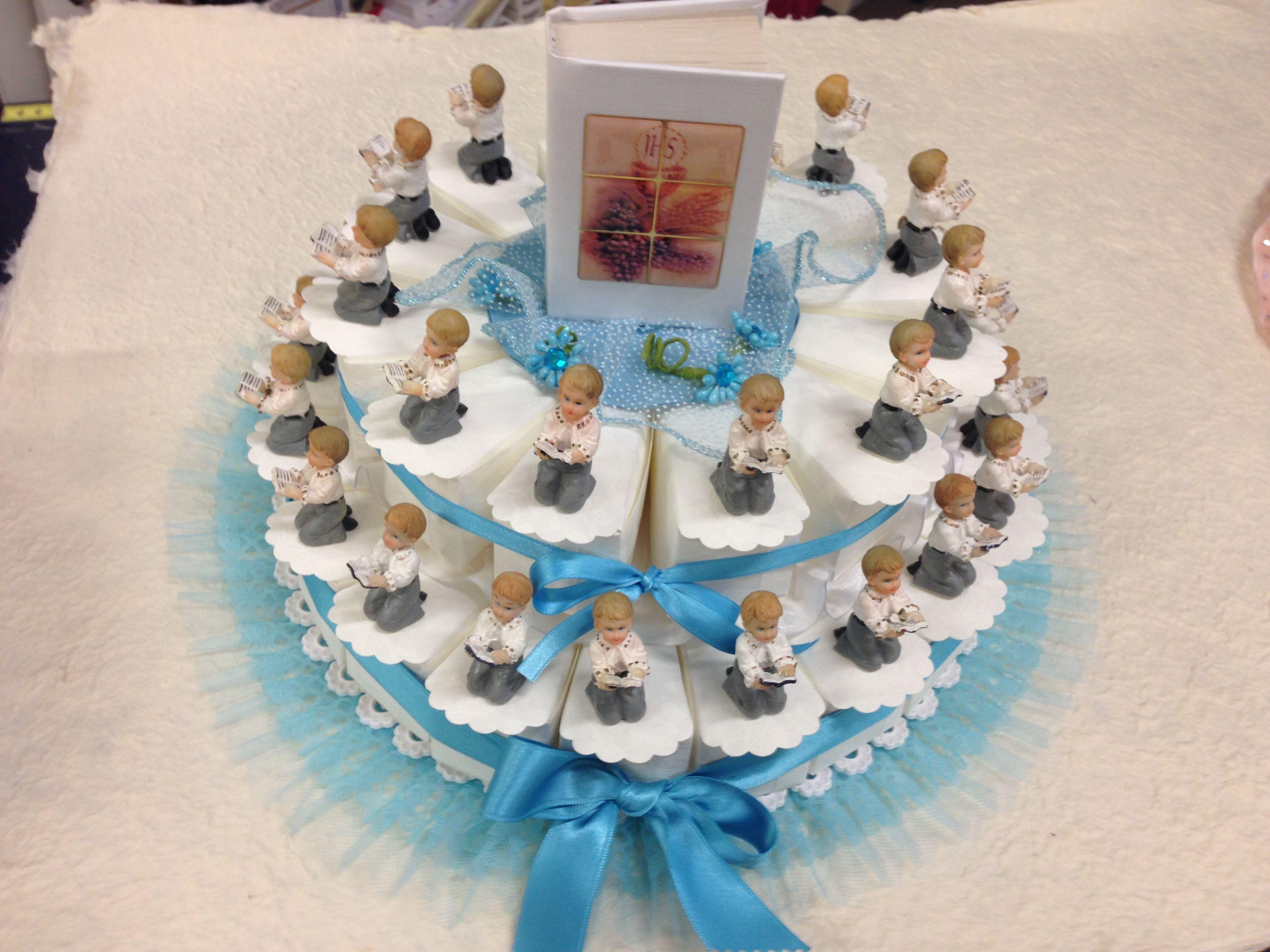 Torta con bimbi in preghiera azzurra (Children in prayer cake decorated in blue)