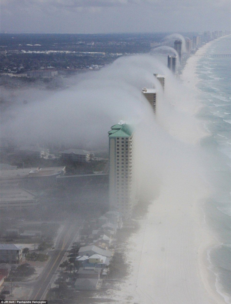 Incredible tsunami 'wave cloud' that rolled in from the