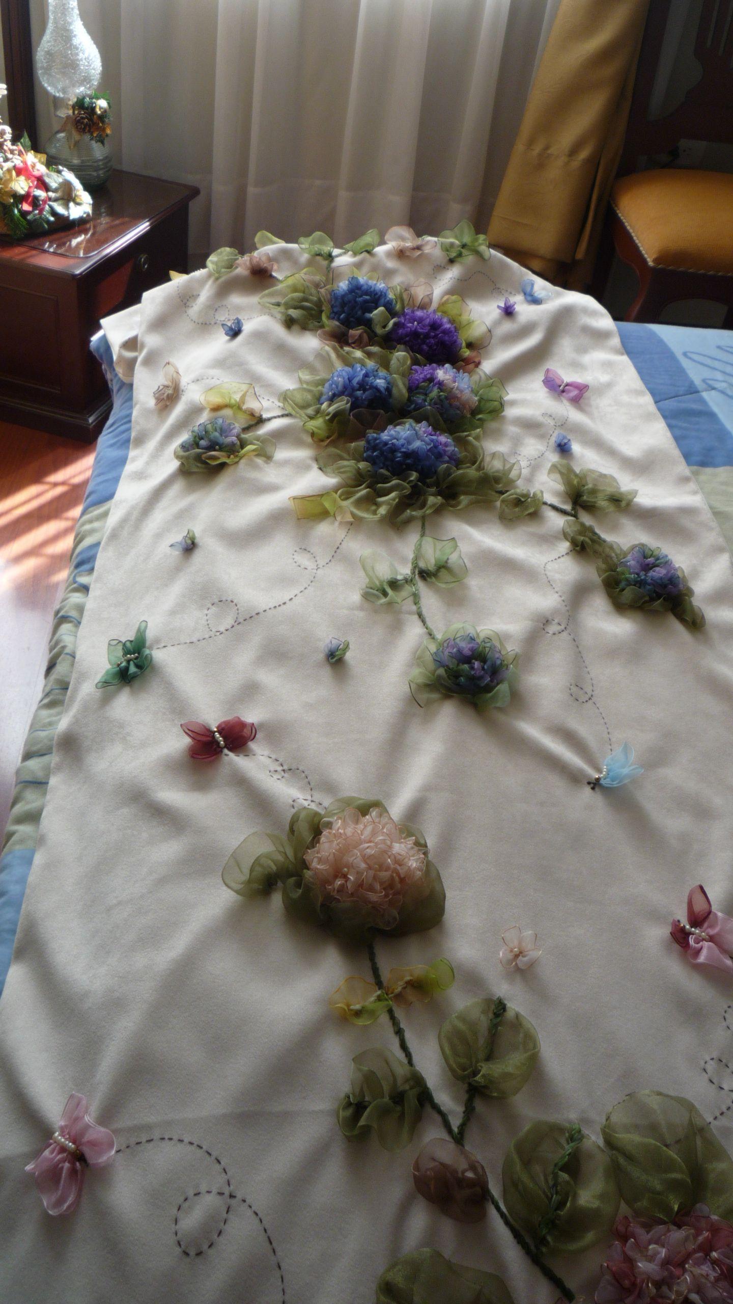 Otra vista del pie de cama
