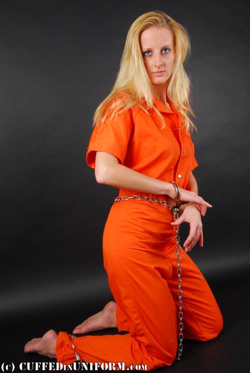 hot pretty women in prison