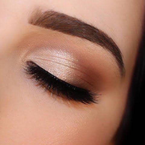 Le maquillage formel concerne l'œil doux, glamour et fumé. Erg ...