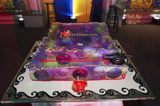 Disney Descendants birthday party ideas and themed supplies Disney