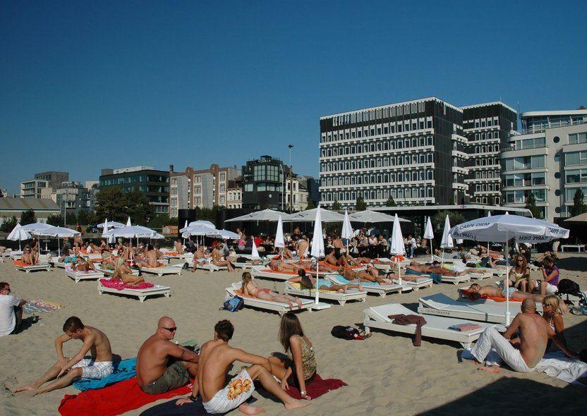 EVENT. Antwerp Beach
