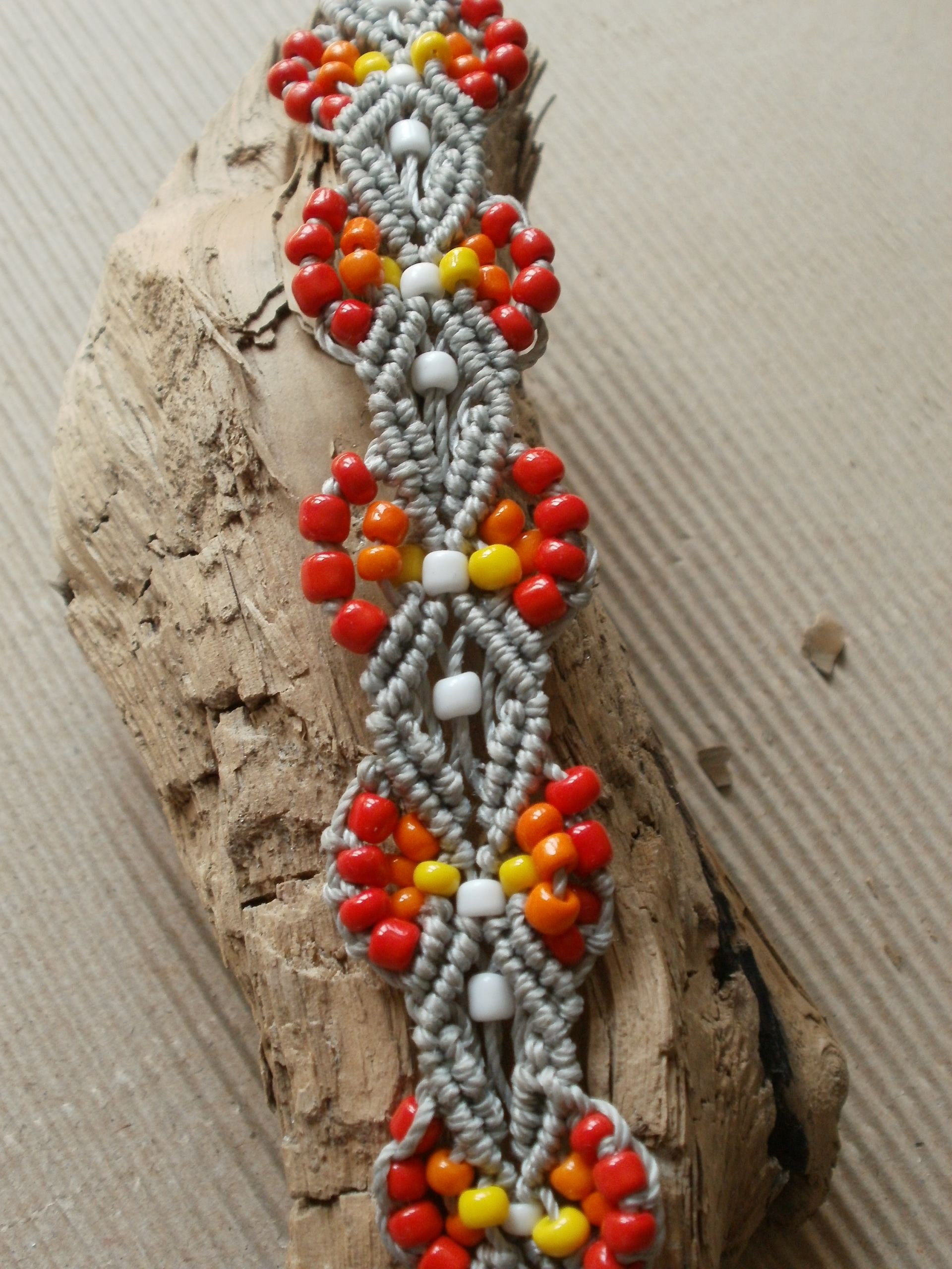 micromacrame and beads bracelet