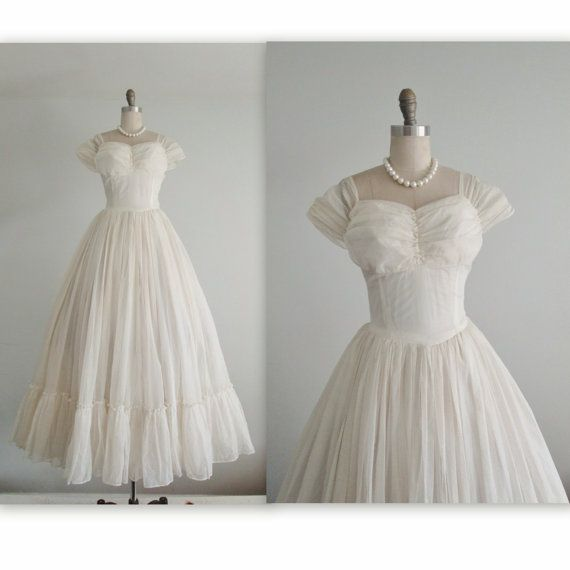 40's Wedding Gown // Vintage 1940's Flocked Swiss Dot