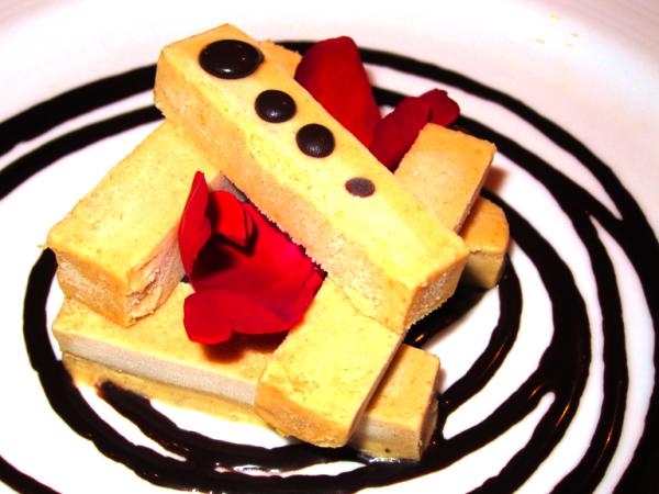 Tronchetto - Imported Mascarpone and fresh banana semi-iced-cream