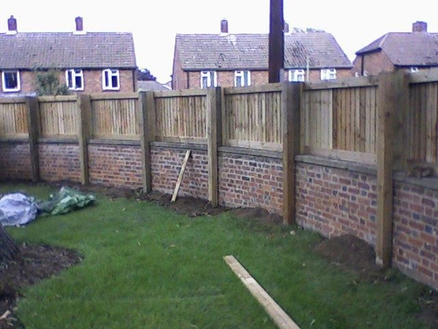 Fence On Top Of Brick Brick Fence Garden Wall Designs Patio Fence