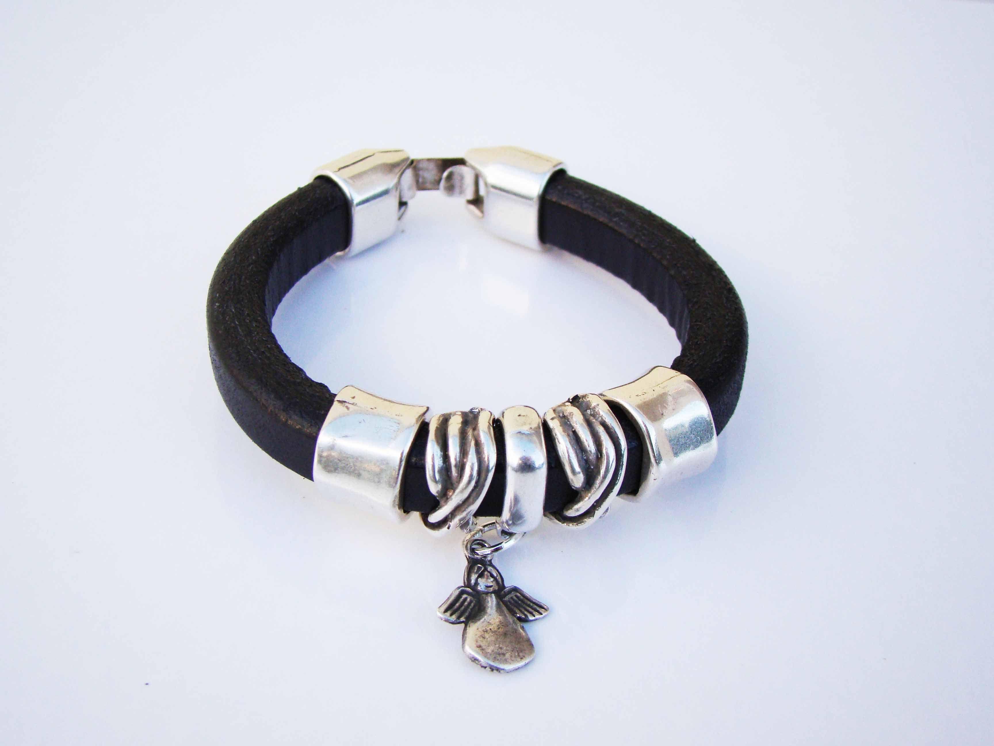 Sales & orders: 4me.bijuteria@gmail.com    Black leather bracelet with angel pendant | Refª PAJ002 - 15€