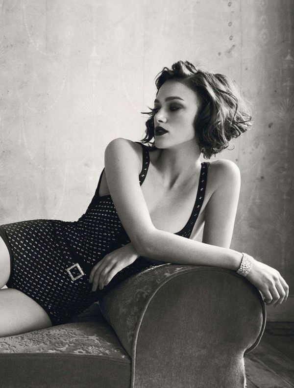 Keira Knightley, channels 1950s swimwear, chanel, vintage style, vintage clothing, polka dots, model, movie star, icon