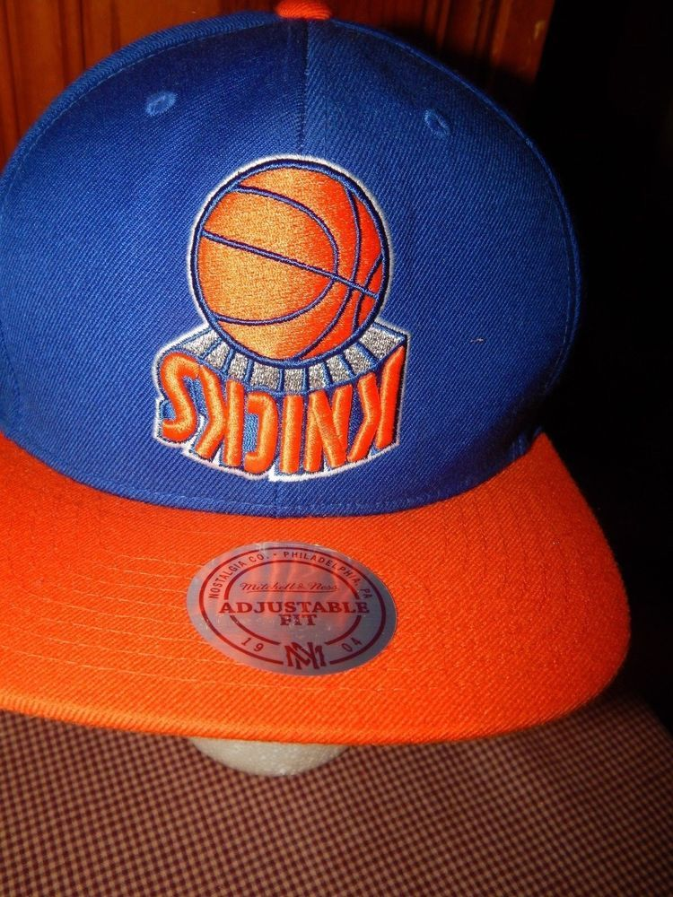4eff1233455 NBA New York Knicks Basketball Ball Cap Hat Mitchell   Ness Snapback NY EUC   MitchellNess  BaseballCap