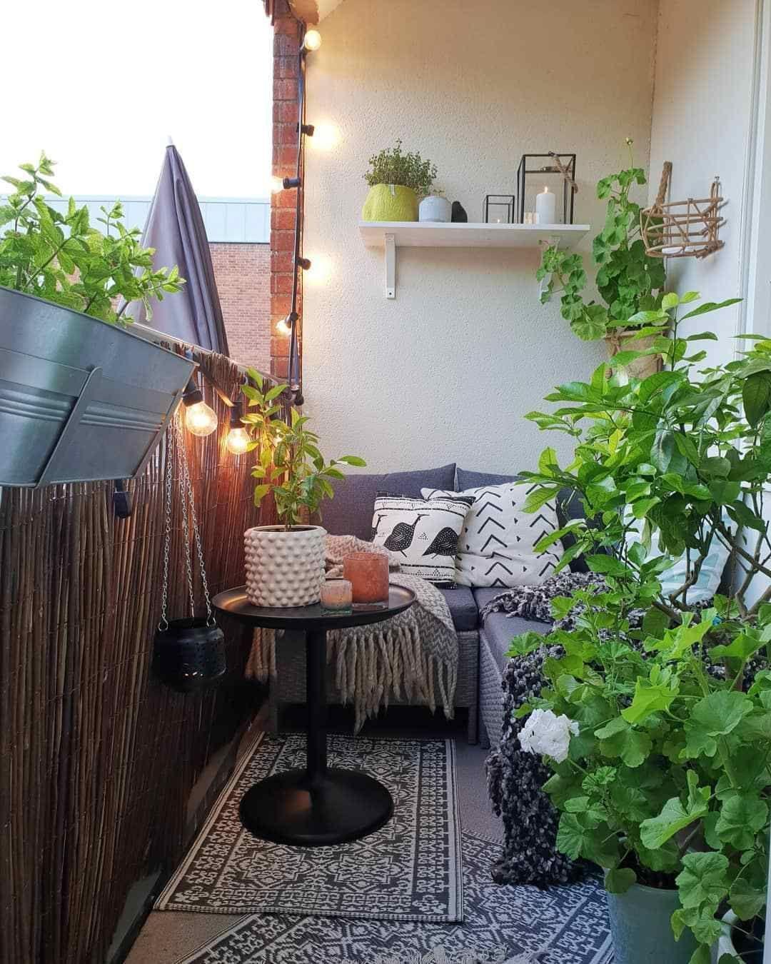 46 The Beautiful Design Ideas for Cozy Balcony Apartment ...