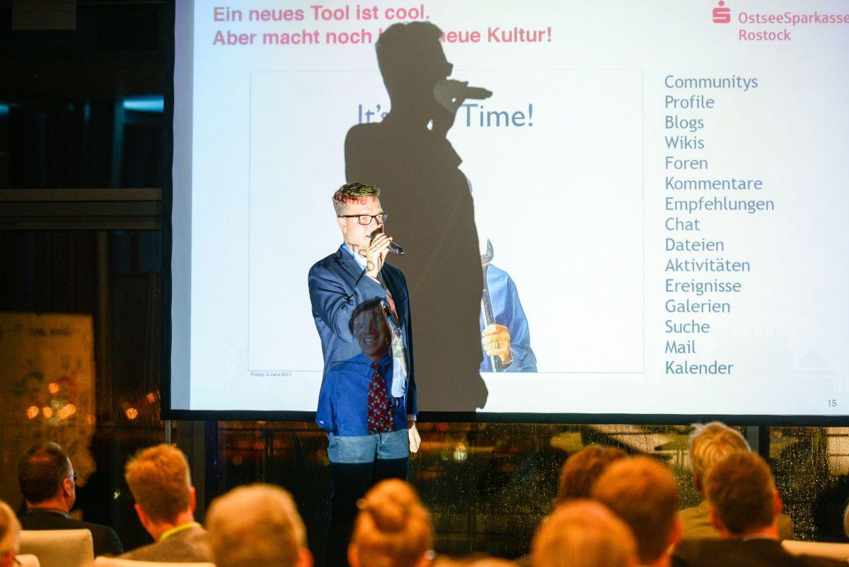 Den Digitalen Wandel Gestalten Wie Wir Die Mitarbeiter Bei Der Ospa An Bord Holen Mitarbeiter Gestalten Rostock