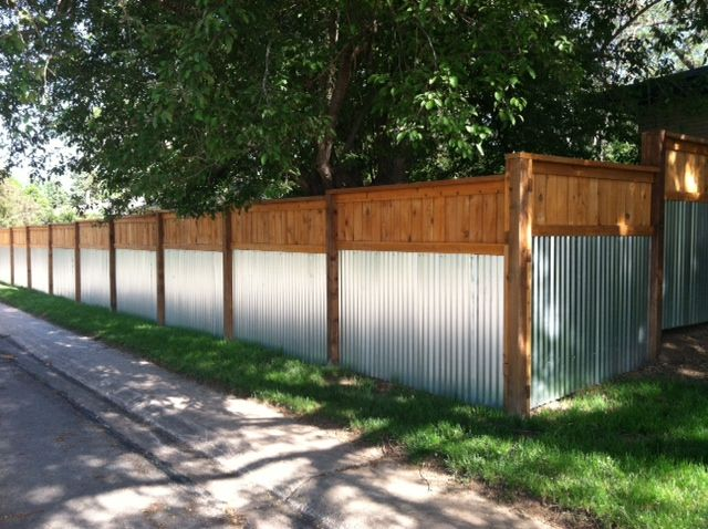 Love This Fence Found In Midtown Fort Collins It Looks Awesome And It S Low Maintenance And Durable Backyard Fences Backyard Fence Design