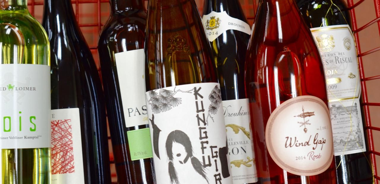 The 8 Best Bottles At Trader Joe S Wine Shop Trader Joe S Wine Trader Joes Best Trader Joes Wine