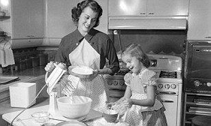 Death of the Domestic Goddess! Traditional baking, sewing and homemaking skills dying out as new mothers too busy to learn | Daily Mail Online
