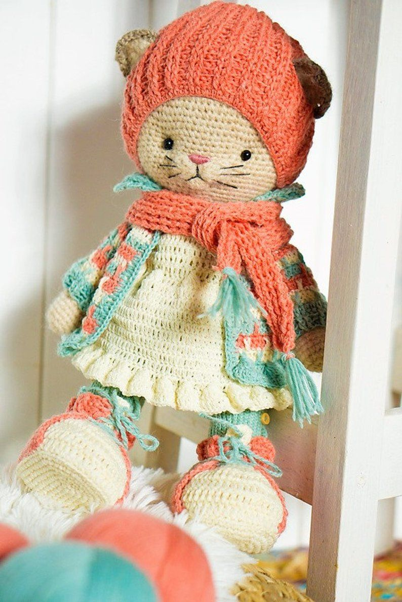 Crochet pattern nikkie outfit for bunny and kitty by