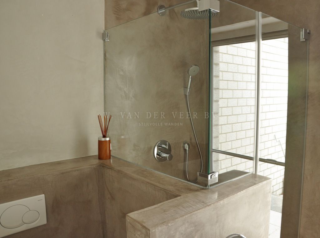 tadelakt badkamer of met beton cire de tegels wegwerken. Black Bedroom Furniture Sets. Home Design Ideas