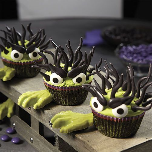 Halloween Monster Cupcakes With Candy Hands -- I wouldn\u0027t bother - wilton halloween cupcake decorations