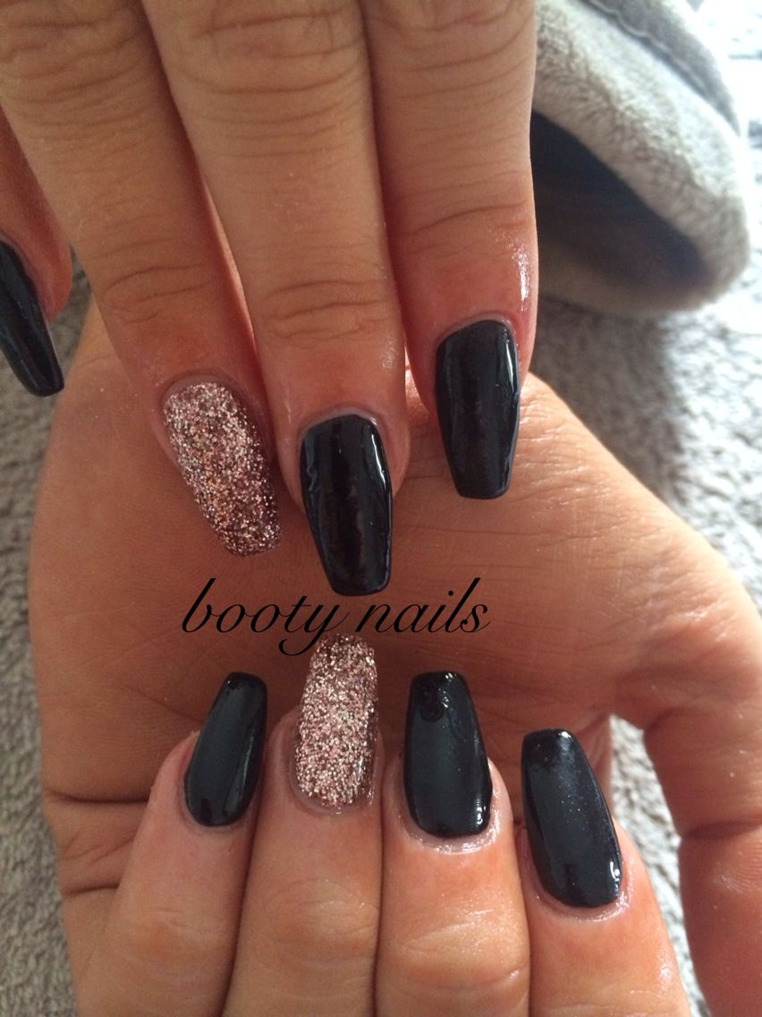 Black And Rose Gold Acrylics Gold Acrylic Nails Black Gold Nails Gold Nail Designs