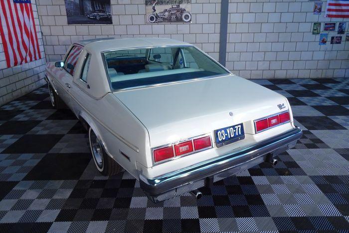 Chevrolet Nova Concours Cabriolet 350ci V8 Edelbrock 1977