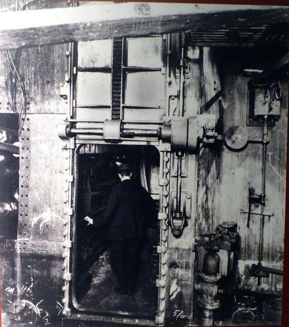 belfast titanic building watertight doors & belfast titanic building watertight doors by damiandude via Flickr ...
