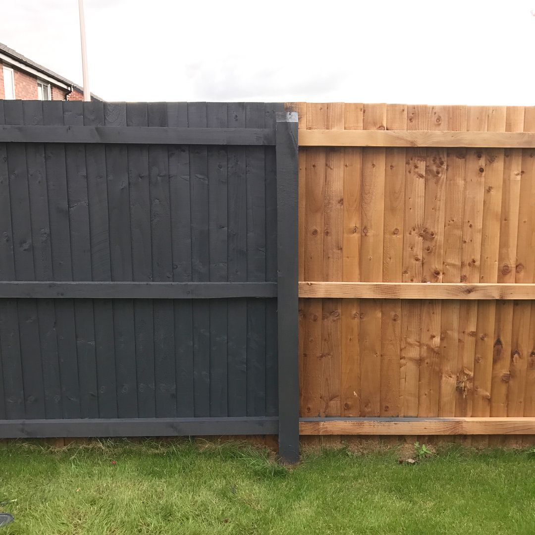 We Ve Got To The Dark Side What A Mammoth Job Painting A Fence Is 2 1 2 Panels Down 12 Ish To Go Urb Garden Fence Paint Garden Fence Panels Backyard Fences