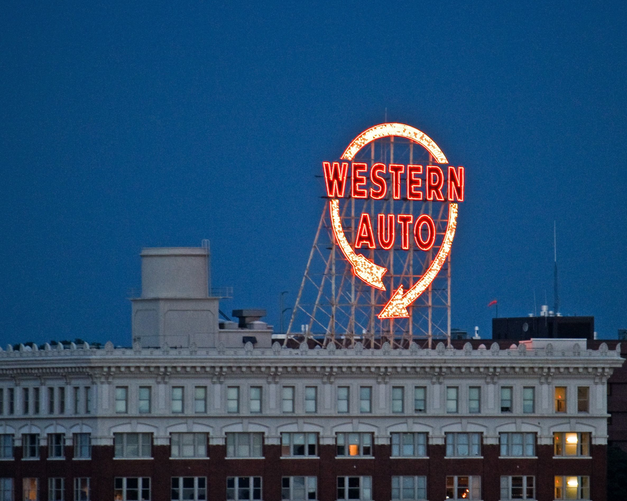 A Kansas City Icon The Western Auto Sign My Photos Arround Kc
