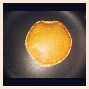 Low carb pancakes that DO NOT require a stick of cream cheese! :)