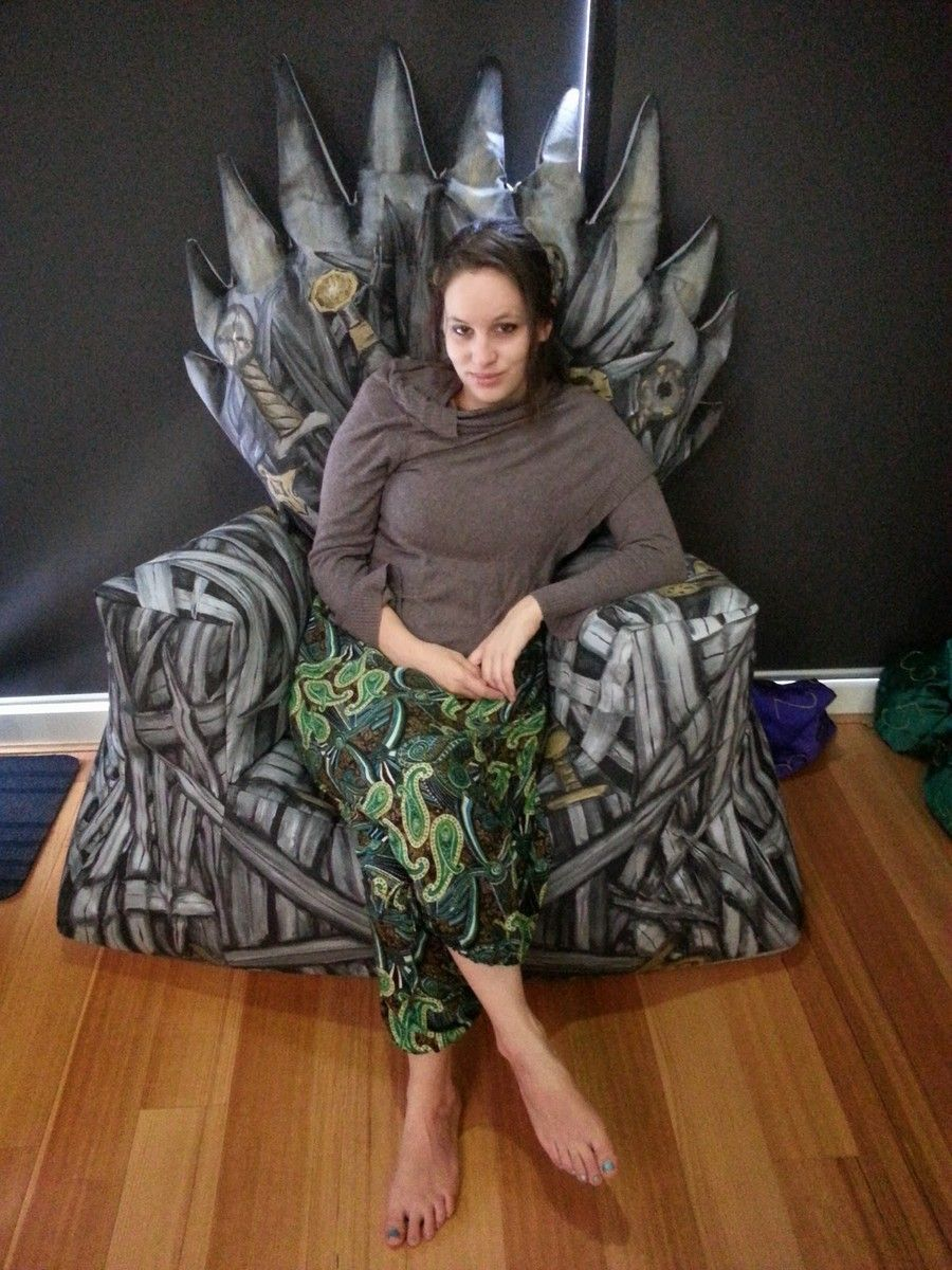 Game of Thrones Enthusiast  Behold the DIY Iron Throne Bean Bag    http. Game of Thrones Enthusiast  Behold the DIY Iron Throne Bean Bag