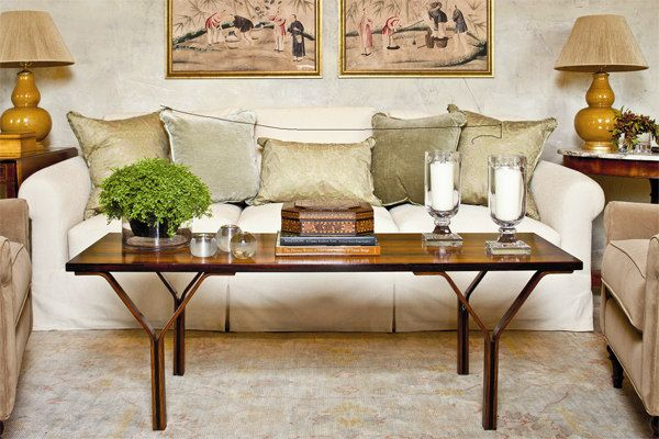 Coffee Tables Southern Style Decorating Expert Phoebe Howard Offers Foolproof Formulas For Arranging Items On