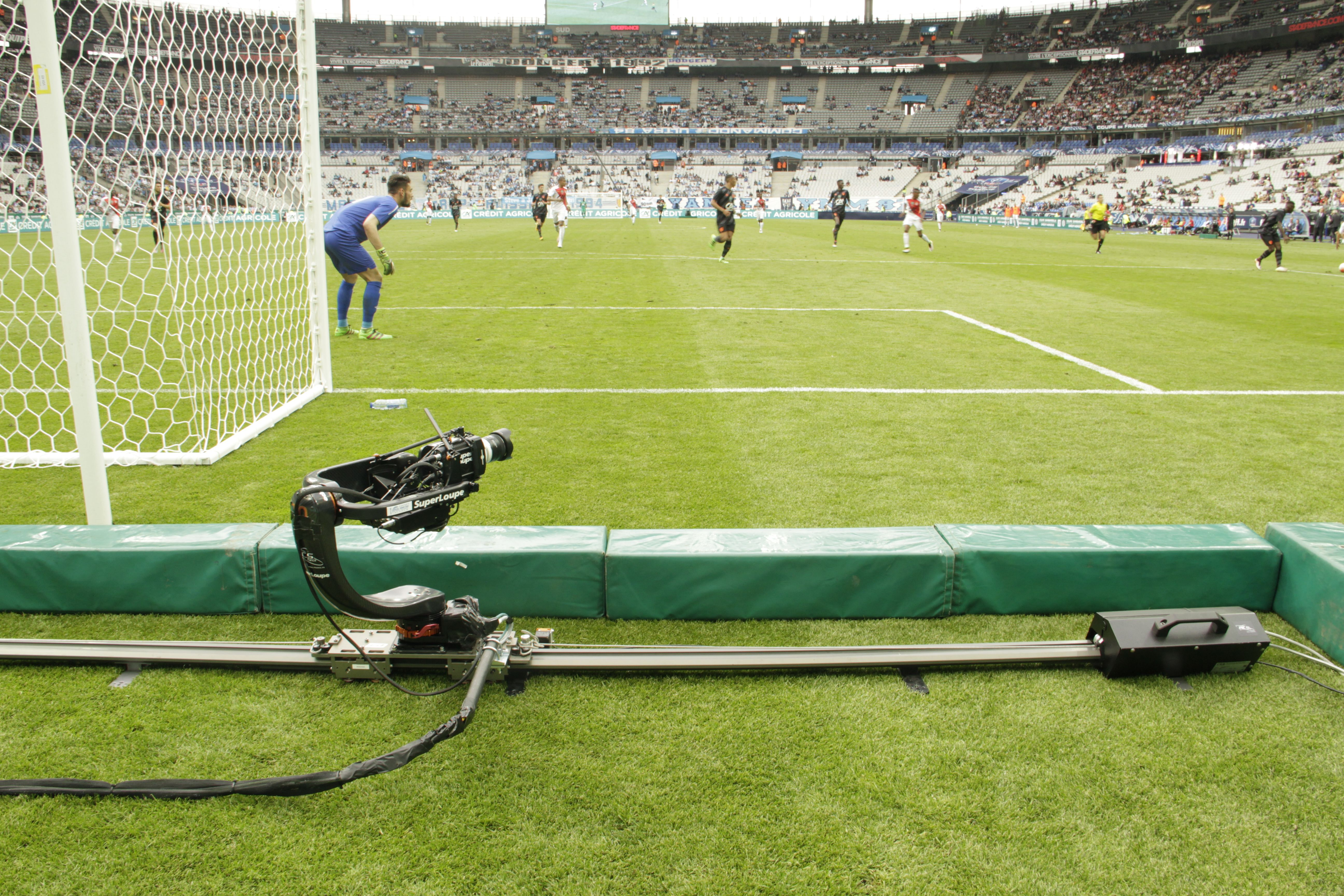 Shotover U1g on the MiniTrack for the french football cup