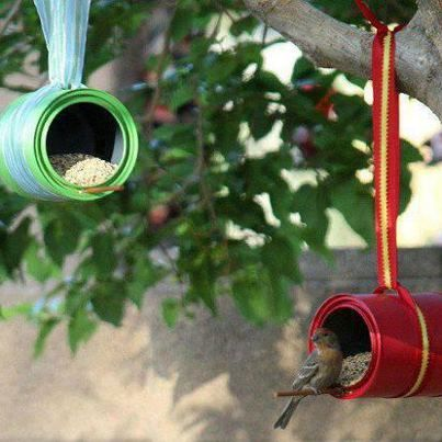 recycling cans to bird feeders