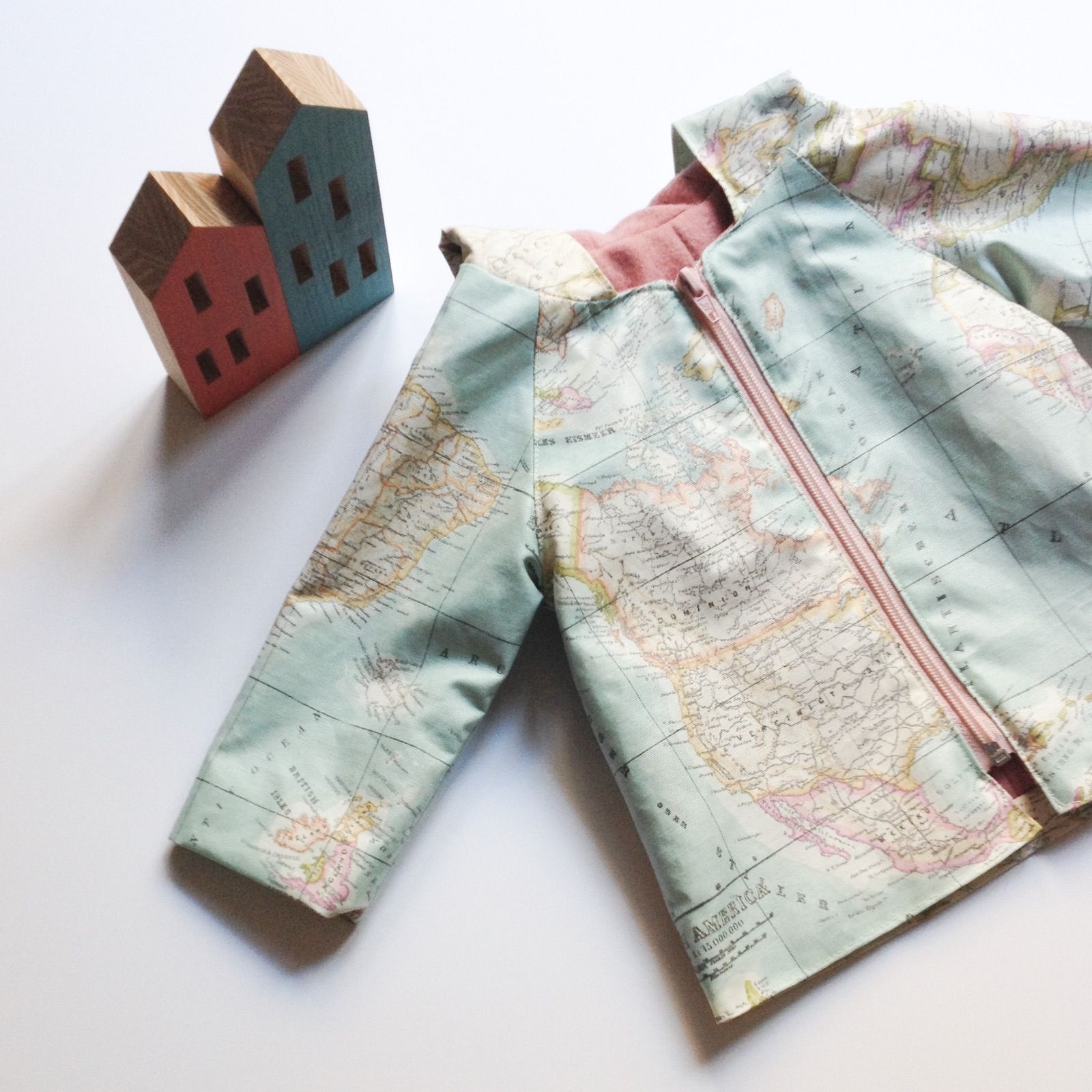 ABRIGO / IMPERMEABLE | Costura | Pinterest | Raincoat, Sewing box ...
