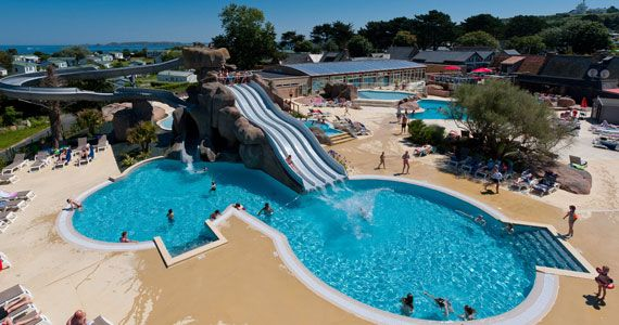 Pin by canvas holidays on our favourite swimming pools - Campsites with swimming pools near me ...