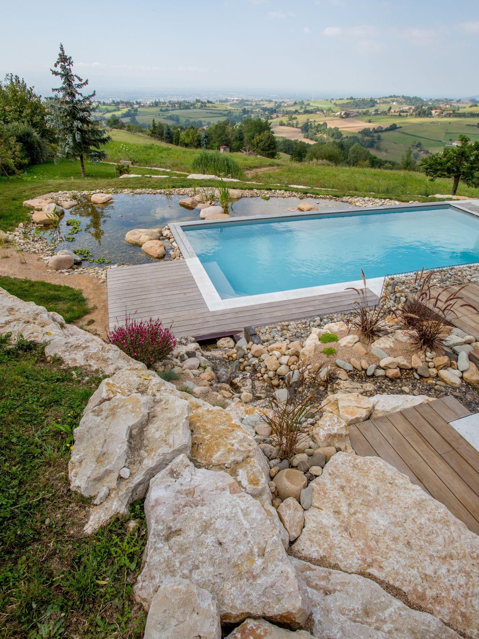 la piscine paysag e par l 39 esprit piscine 9 x 4 m rev tement gris clair escalier d angle. Black Bedroom Furniture Sets. Home Design Ideas