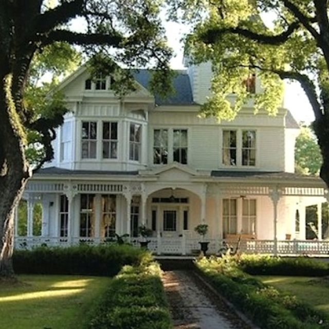 Pin By Nora Mhaouch On Dream Houses: House And Victorian