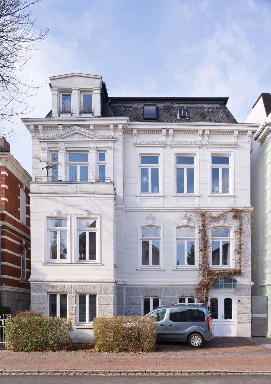 Wir Zeigen Euch Heute Ein Architektenhaus In Oldenburg Und Liefern Euch Die Antwort Wie Bauexperten Eigentlich Wohnen Architekt Hauswand Architektur