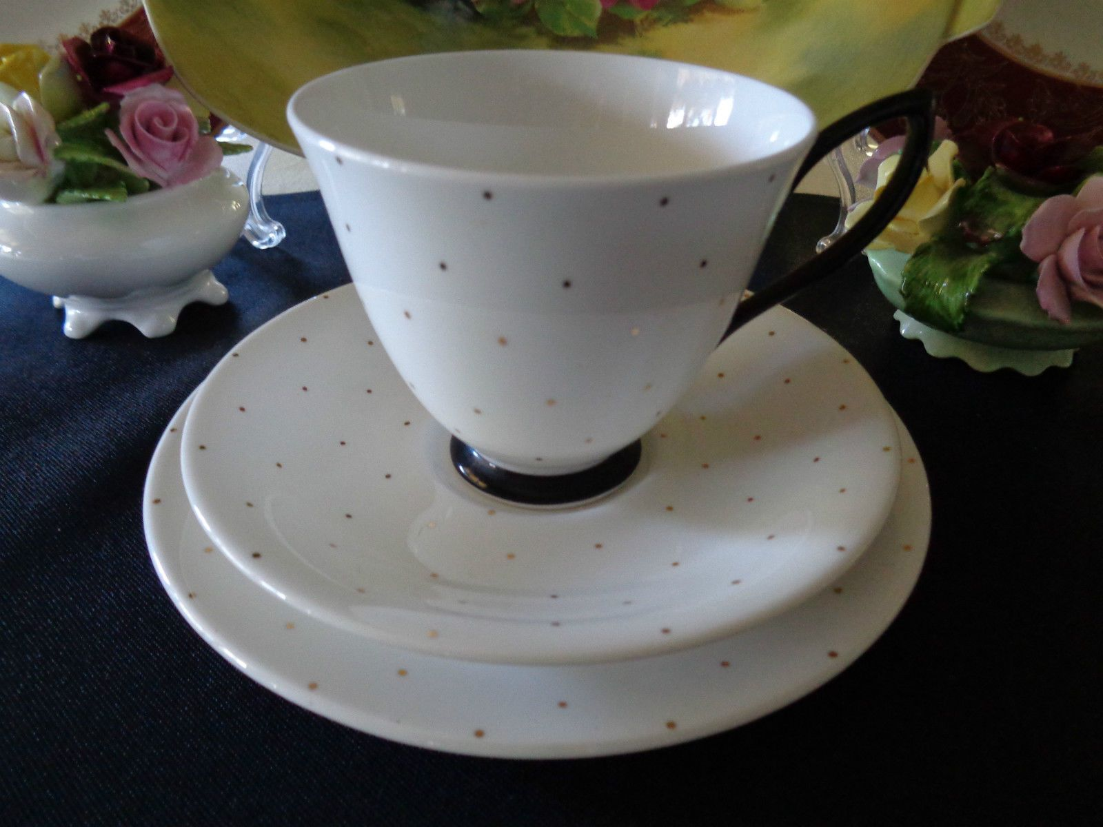 Royal albert bone china tea cup amp saucer winsome pattern ebay - Royal Albert Trio Golden Rain Art Deco Style Extremely Good Condition Ebay