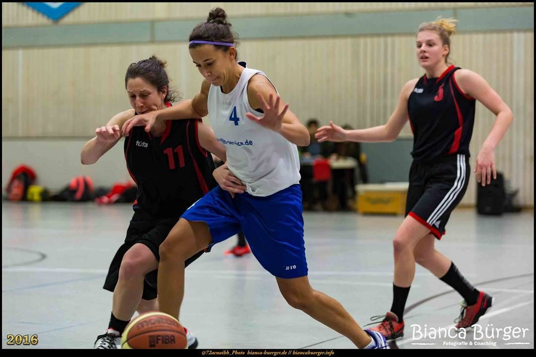 #Basketball findest Du bei mir im Blog (Link in der Bio)...hier die 1. Damen der #WeddingerWiesel gegen #TuSNeukölln in der #Basketball2RegionalligaOst #Berlin #Neukölln #Deutschland #Germany #sports #biancabuergerphotography #igersgermany #igersberlin #IG_Deutschland #IG_berlincity #ig_germany #shootcamp #shootcamp_ig #pickmotion #berlinbreeze #diewocheaufinstagram #berlingram #visit_berlin #canon #canondeutschland #EOS5DMarkIII #5Diii