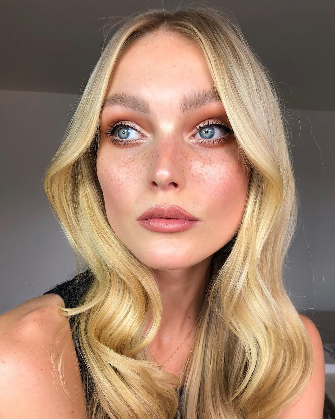 5 Easy Tricks I Learnt for Glowing Skin, Bigger Brows and