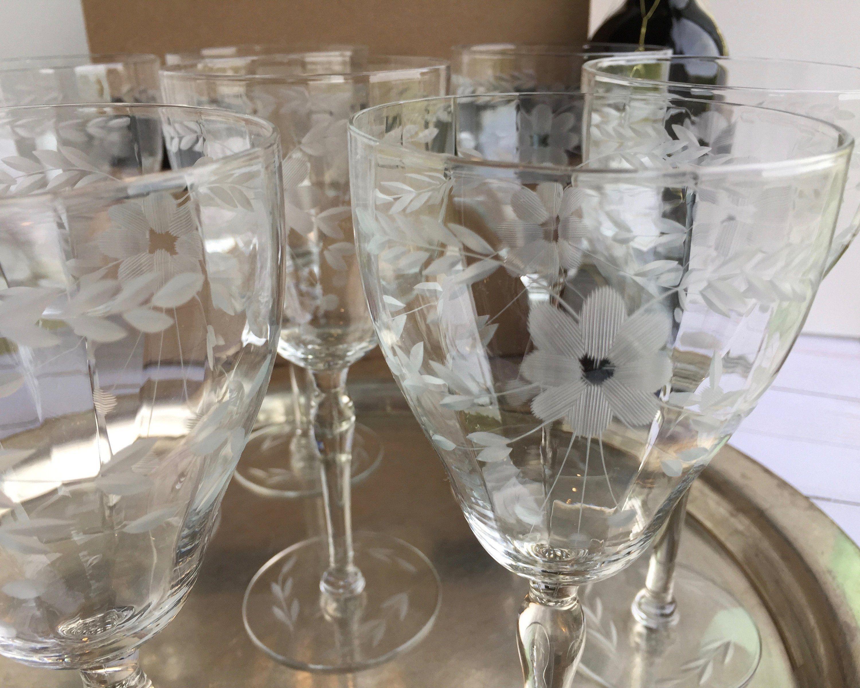 Vintage Etched Floral And Leaf Wine Glasses Set Of Eight 8 Vintage Stemware Vintage Glassware Wine Glasses