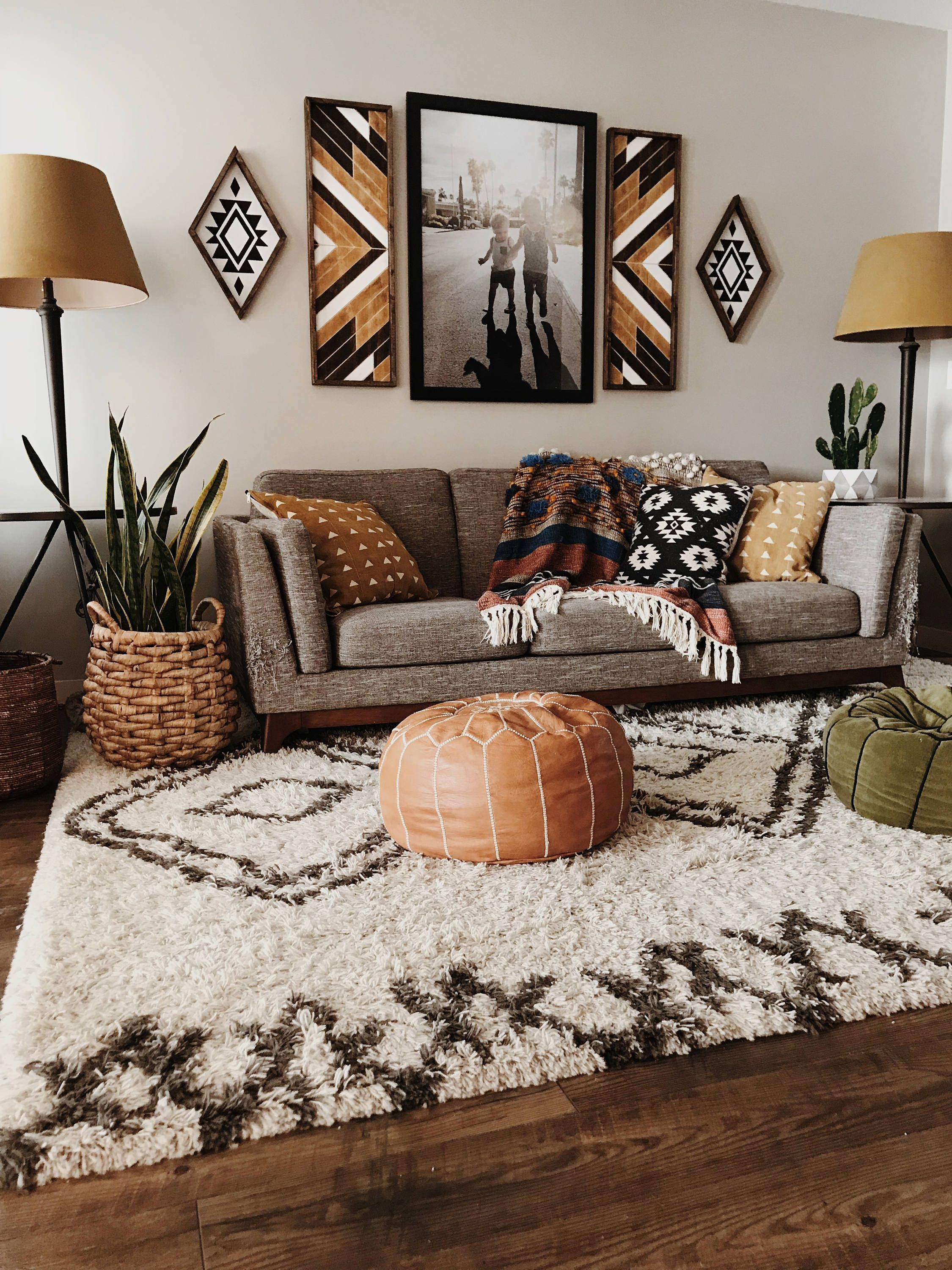 35+ Beautiful Small Living Room Ideas to Make the Most of Your Space #smallapartmentlivingroom