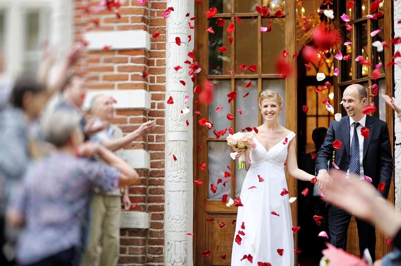 Die 15 besten Hochzeitsspiele & Überraschungen nach dem